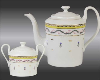 R CF teapot and sugar